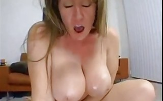 HUGE BEAUTIFUL NATURAL BOUNCING BOOBS