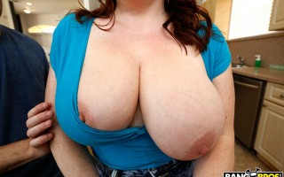 Maggie Green Bounces Her Enormous Tits