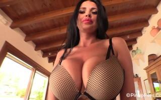 Mega babe Sha Rizel gives one bouncy sexy striptease