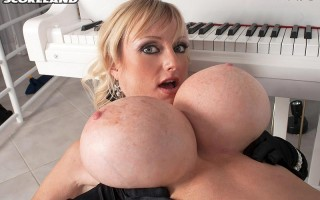 Busty piano lessons with Morgan Leigh