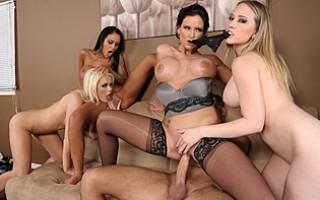 Angelina Valentine,Phoenix Marie,Kagney Linn Karter,Alexis Ford