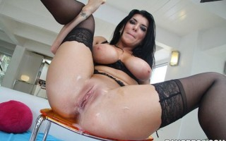 Romi Rain blows and fucks like there is no tomorrow