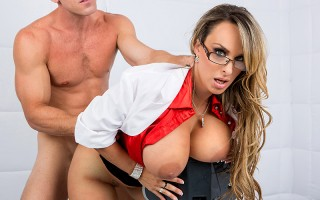 Holly Halston got called in to the local maximum security lockdown to give infamous criminal Johnny Sins a checkup. Once she gave him a quick once-over, she quickly discovered the problem: a massive spunk build-up! So Holly did what any responsible medica