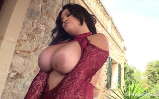 Super sexy 34H Anna Sivona pulls her tits out of her sexy lace dress