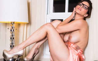 Sunny Loane touches her hot body as she orders room service
