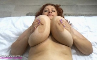 Sinead Massive Boobs in Motion