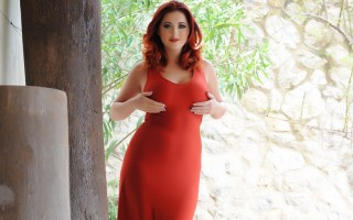 Lucy Vixen looks Stunning In Her Tight Red Dress And Lingerie