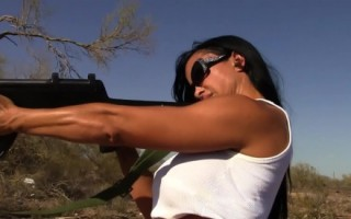Jewels Jade shoots an AK47 in the nude. HOT HOT HOT!