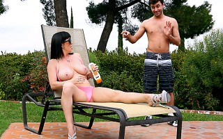 RayVeness is sunbathing in her backyard when her little neighbor James peeks his head over the bushes and gets an eyeful of her massive boobies. When she sees him, RayVeness invites lucky James over to help her rub some sun screen on. Watch, Jimmy! This m