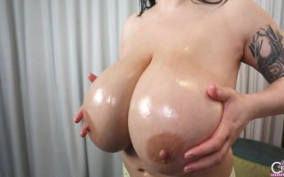 Leanne Crow Getting Her Boobs Oily and Messy Upclose