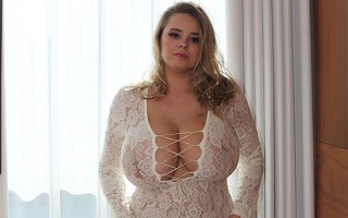 Vivian Blush From Fancy Cleavage to Full Nude